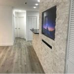 Ivory-Split-Face-Ledger-Panel-Wall-Design-With-TV-Jobside-pic