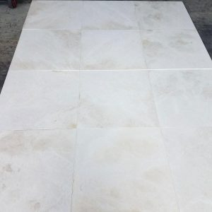 Golden White 4 Golden White 24x24 Closeby tile Pic